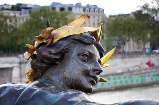 pont alexandre sculpture