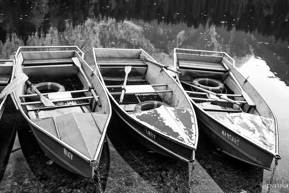 boats_b&w