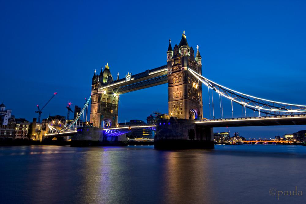 tower bridge night