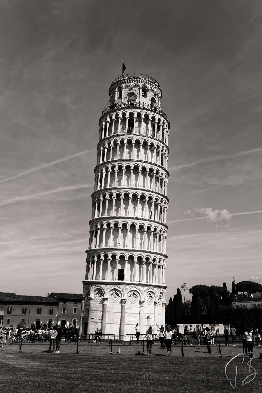 pisa tower_b_w-1_potpis