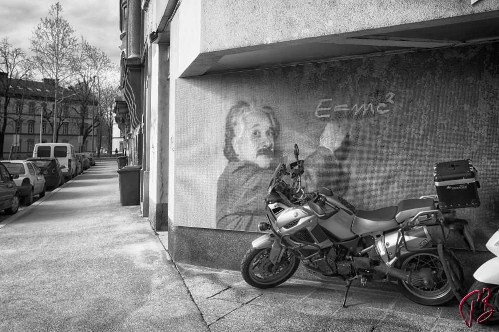 einstein unexpected-1_potpis