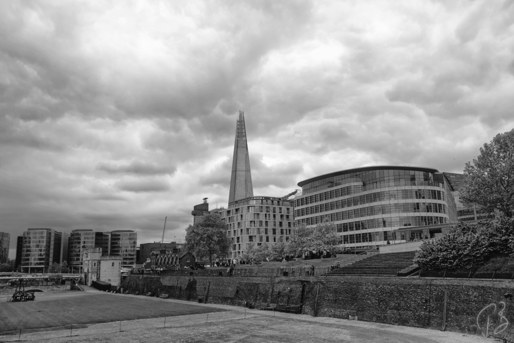 london shard b&w drugi-1_potpis scale